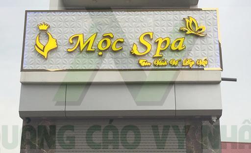 Bảng hiệu chữ nổi MICA viền INOX